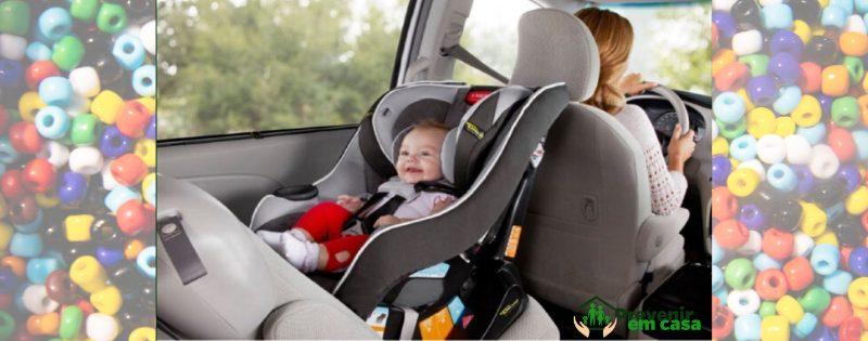Bebê conforto no carro